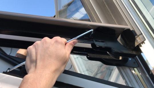 Roto Dachfenster Wartung